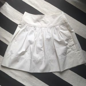 BCBG white skirt pockets size 2